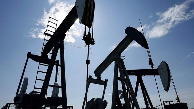 Canada's economy stalls in July as oil and gas extraction contracts