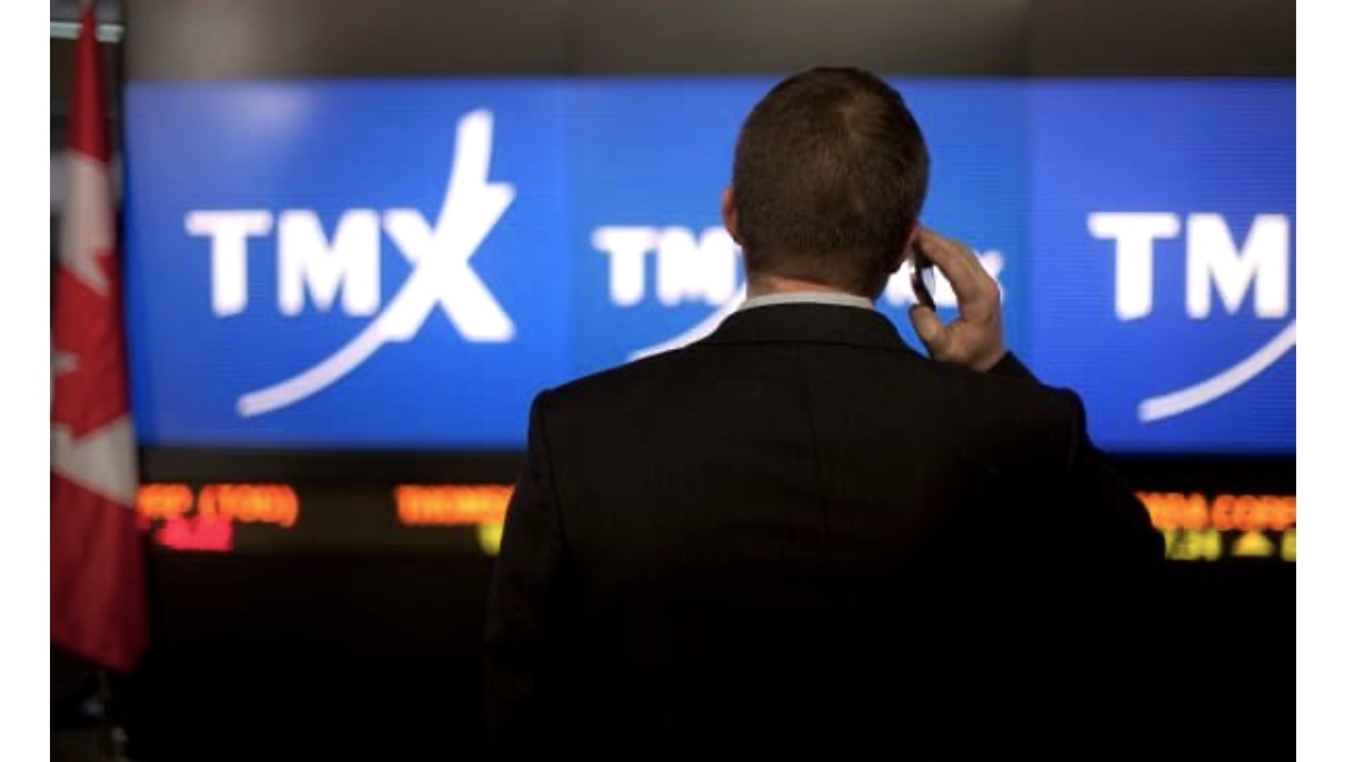 TSX drops more than 700 points as trading resumes after outage