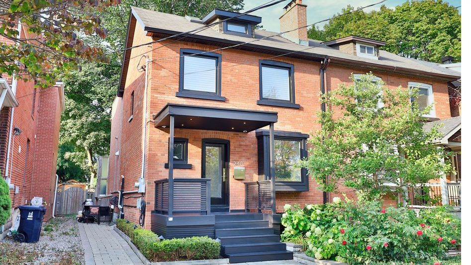 Buyer jumps the queue with brawny bid for updated Midtown Toronto semi