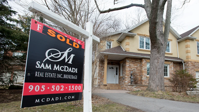 Canadians piling on mortgage debt as hot housing market continues